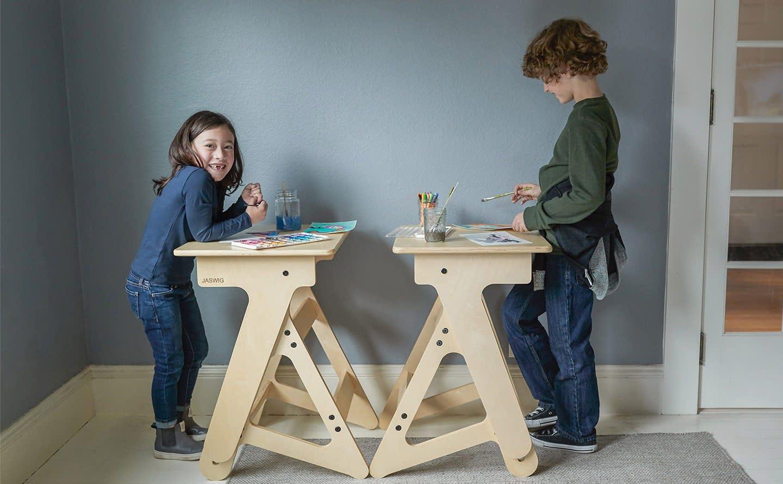 fully jaswig my first standup kids desk kids jaswig and jaswig nomad lifestyle photo_feat_v1.jpg